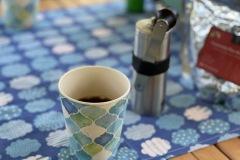 朝食はホットサンドとコーヒー